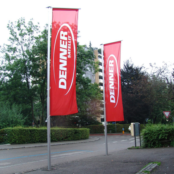 ExpoDruck Hochformatsfahnen Knatterfahnen-Fahnenfabrik Druckerei Fahnen Fahnendruck Fahnenmast